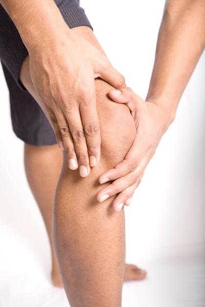 Patient suffering from knee pain and in need of chiropractic care in Sewell, NJ